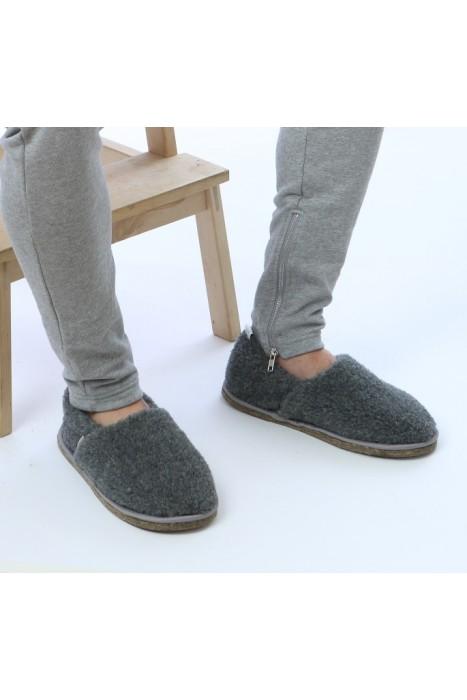 Тапочки-туфли из шерсти серые