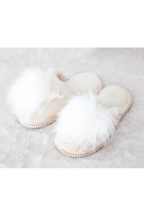 Тапочки из овчины женские с помпоном белые