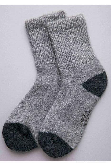 Носки из монгольской шерсти серые